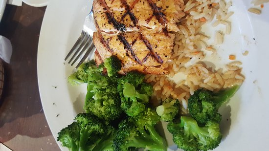 Marion, IL: Early bird special $16.00 for two dinner meals with bread as salad!