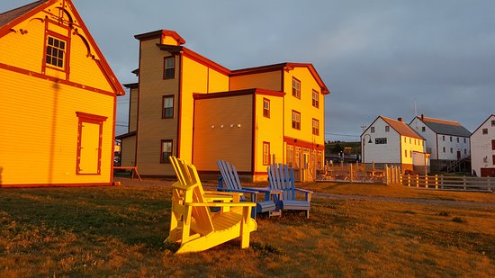 Bonavista, Canada: Behind the Inn and restaurant