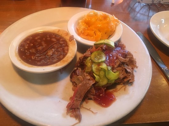 Suwanee, GA: Classic Pulled Pork plate, Baked Beans and Mac and Cheese as sides