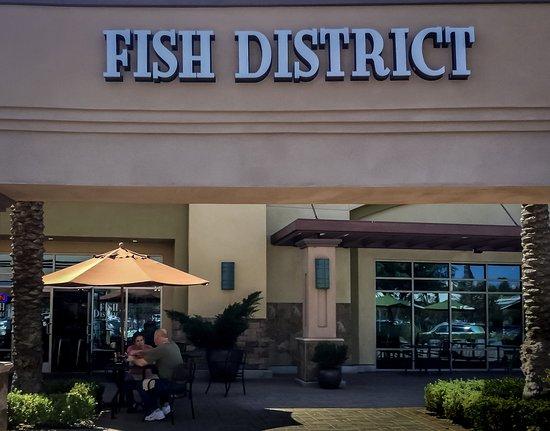 Aliso Viejo, CA: Fish District Exterior View