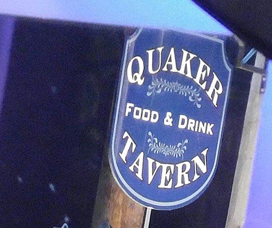 Uxbridge, แมสซาชูเซตส์: Quaker Tavern