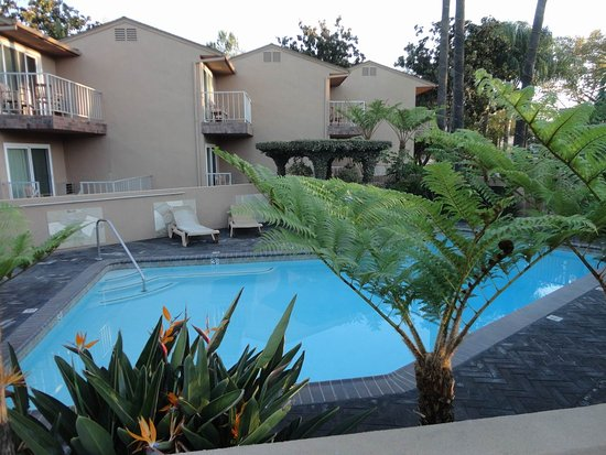 Chino, CA: Very nice pool area