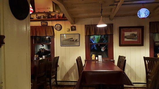 Damariscotta, Maine: Reunion Station