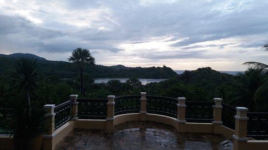 The Manor at Puerto Galera: Twilight at The Manor