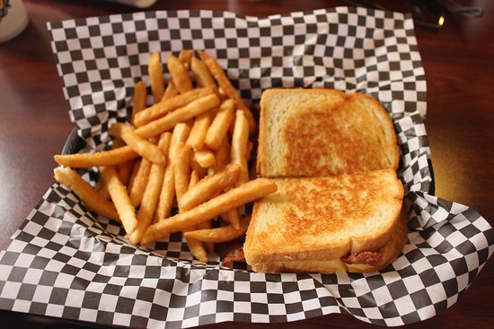 Tillamook, OR: Centennial Grilled Cheese and Fries