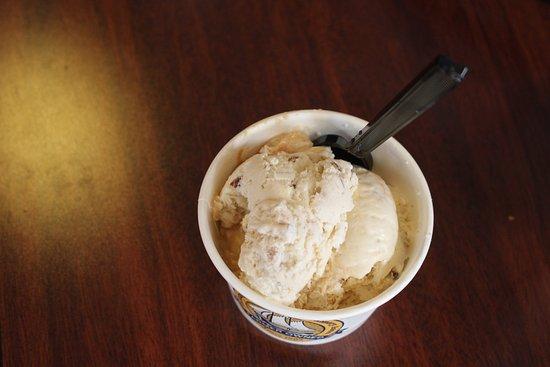 Tillamook, Oregón: Oregon Hazelnut & Salted Caramel