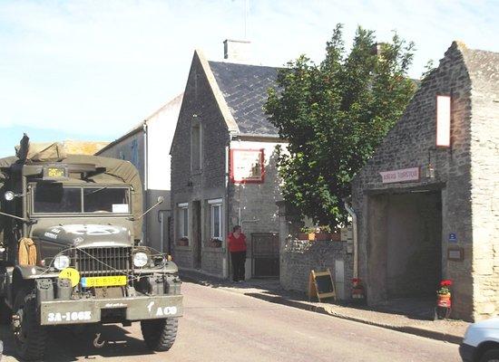 """Meuvaines, Fransa: route d""""Arromanches"""