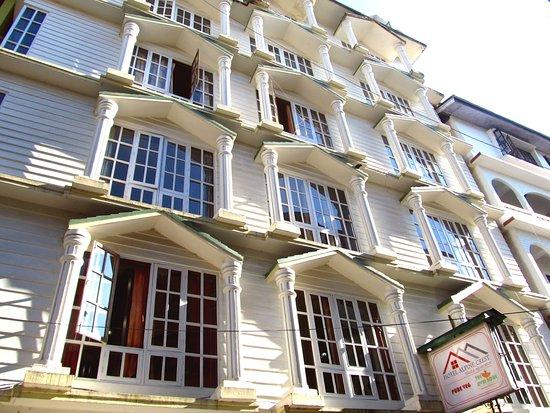 Hotel Alpine Crest