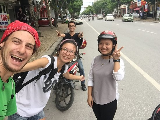 ‪‪Vinh‬, فيتنام: The Guru Team helping foreign travellers with Visa's‬