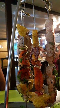 Haapiti, Polinesia Francesa: Espadon & Mi-cuit de Thon Rouge (Swordfish & Red Tuna)