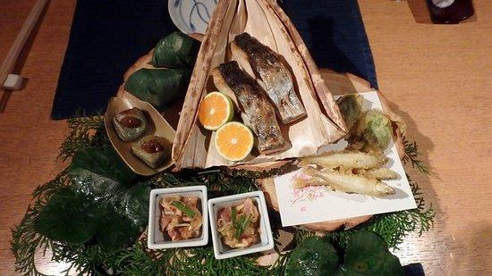Soan Kosumosu: 晚餐菜色