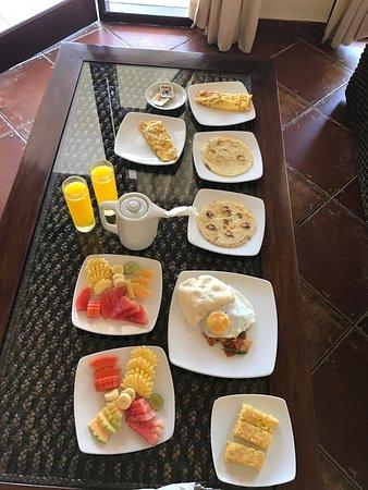 Luce d'Alma Resort & Spa: Завтрак