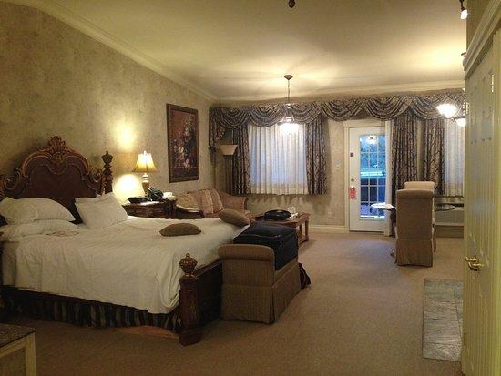 Whitney, Kanada: Monet room