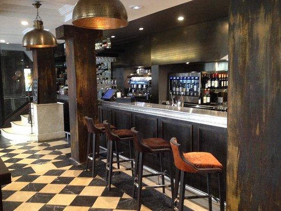 Chez Clement Cafe Rotisseur Saint Michel: photo0.jpg