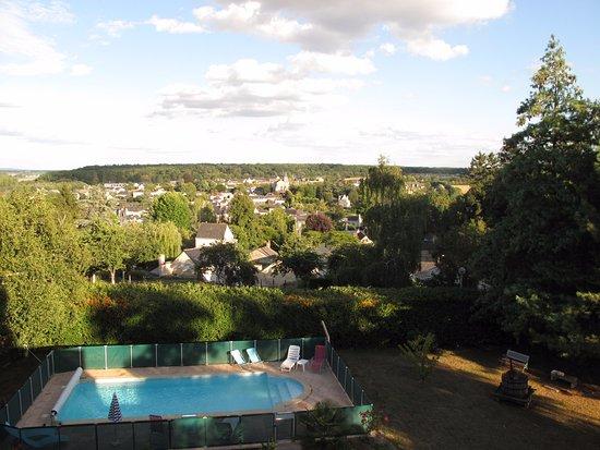 Gennes, ฝรั่งเศส: Vue sur la vallée