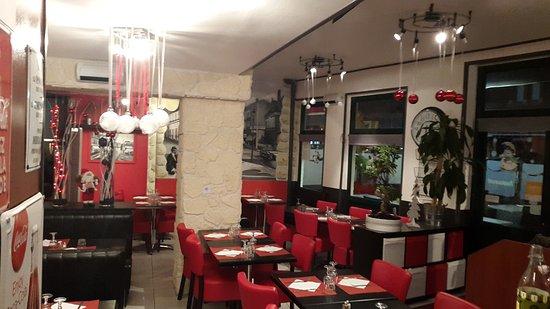 Houlgate, Francia: Brasserie - Pizzeria Au 48