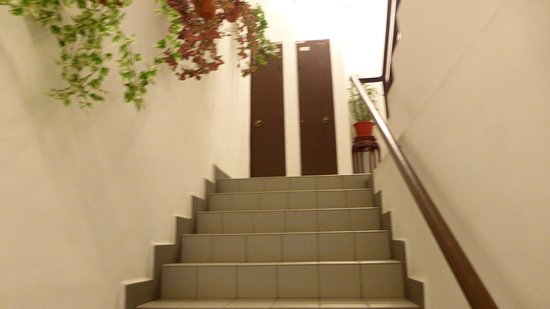 fan cai xiang vegetarian restaurant sdn bhd stairs to upstairs seating - Lift Up Stairs