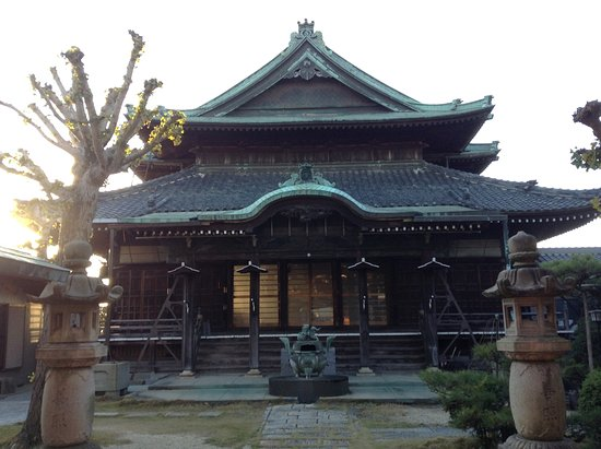 Tobishima Zenkoji Temple