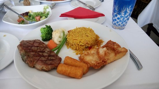 Arabian Courtyard Hotel & Spa: Lunch Experience at Arabian Restaurant