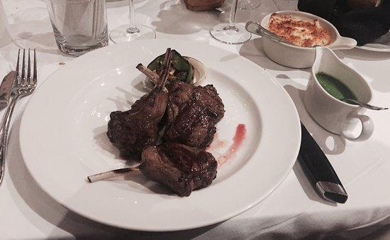 Factory Steak & Lobster: Rack de cordeiro delicioso!! Muy esquisito plato!!
