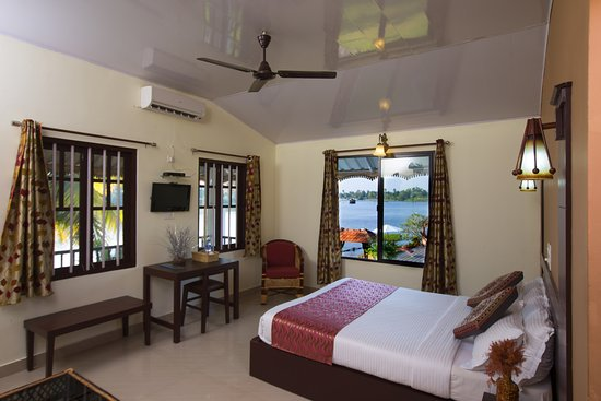 Green Palace Kerala Resort: Deluxe room