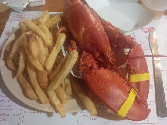 Naples, ME: Lobster... 'Nuff said...