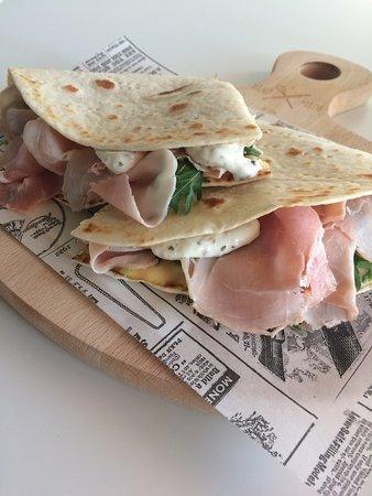 Gorgonzola, Italien: Ecco alcune delle nostre piadine che potrete mangiare a pranzo o a cena, da noi o a casa vostra