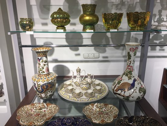 Zsolnay Manufaktúra Budapest Brand Showroom - Astoria