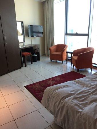 写真アビドス ホテル アパートメント アル バーシャ ドバイ枚