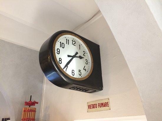 il-vecchio-orologio-della.jpg