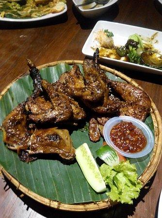 De'leuit Restaurant: Masakan Sunda....