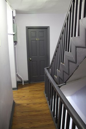 Chelsea International Hostel - Stairwell