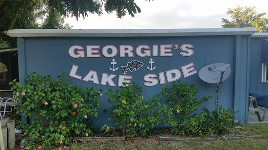 Orange Lake, FL: Georgie's Lakeside Restaurant and Lounge