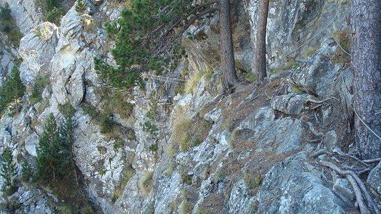 Encamp, Andorra: traversée latérale