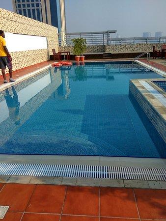 Orchid vue hotel updated 2018 reviews price comparison dubai united arab emirates for Dubai airport swimming pool price