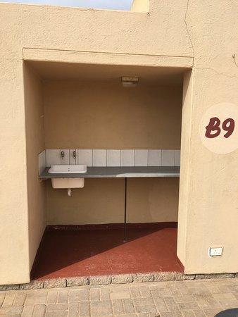 Hentiesbaai, Namibia: Les sanitaires privés du camping