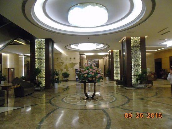 Vinh, Vietnam: hol hotelowy
