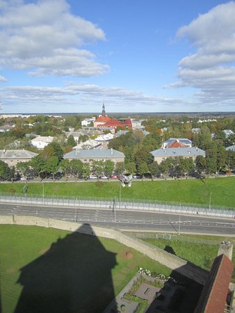 Narva, เอสโตเนีย: вид с башни на Нарву
