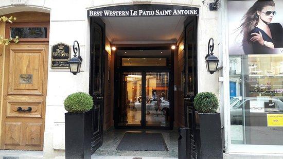 BEST WESTERN  Le Patio Saint Antoine: 20161126_124158_large.jpg