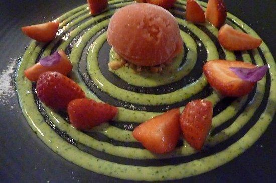Portfolio restaurant: Jahody a bazalka, dokonalý zákusek
