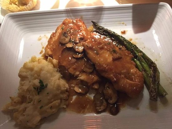 The Moonshadow Grille: Chicken Marsala