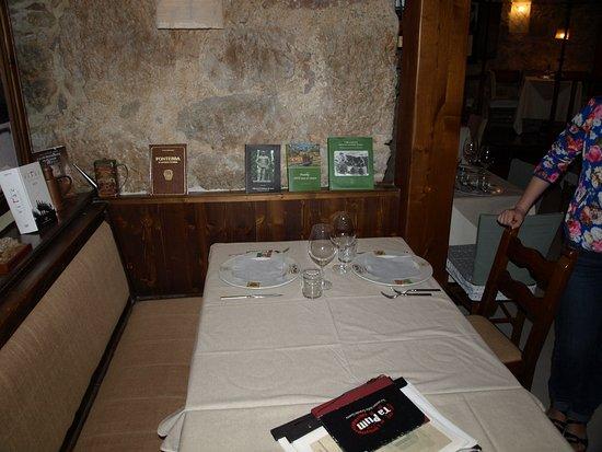 Nago, Italia: Столик в ресторане