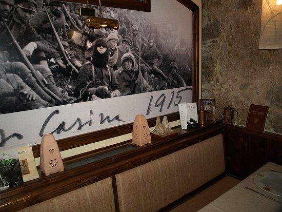 Наго, Италия: Вокруг столика - вот так