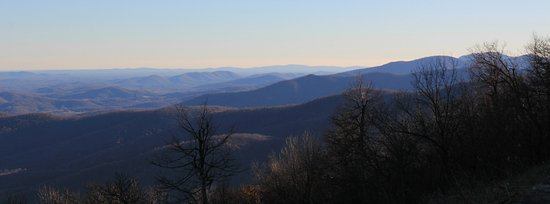 Front Royal, Wirginia: View from one of the Skyline Drive overlooks - appr 10 miles from the cabin.