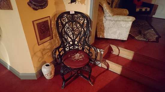 Marsta, Schweden: Broby Gard - 19th century chair in the corridor