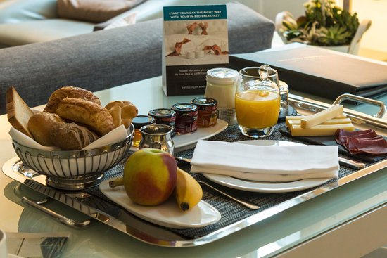 Swiss Luxury Apartments: Our Swiss Continental Breakfast served in the privacy of your apartment.