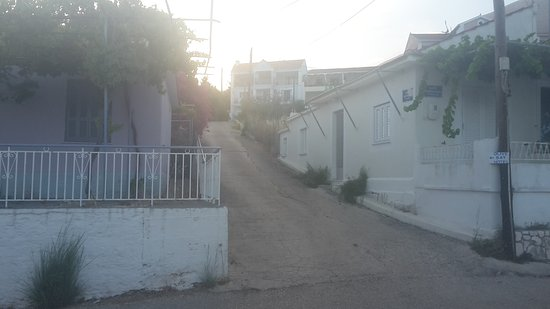Myrto Apartments: 20160715_202844_large.jpg