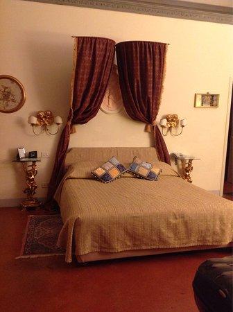 Palazzo Magnani Feroni: photo3.jpg