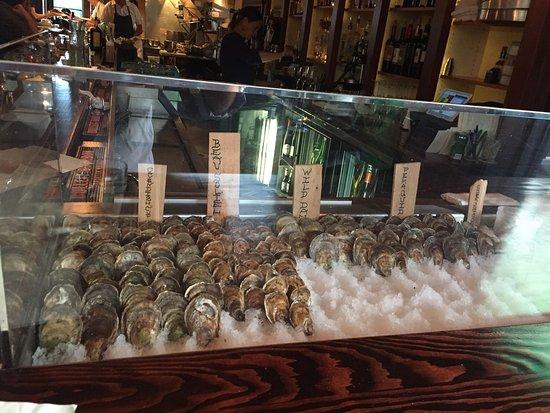 Rockport, ME: 18 Central Oyster Bar