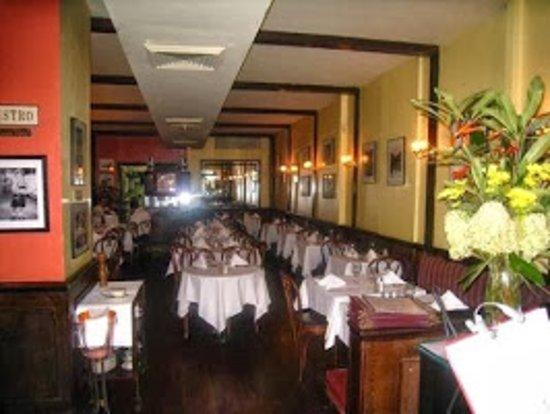 Sel et Poivre: Dining room